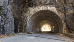 West Tunnel, Going-to-the-Sun Road